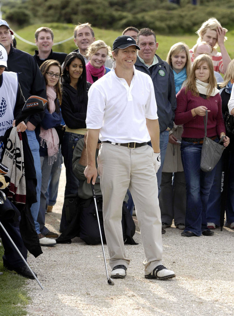 In October 2006, Hugh Grant drew a crowd while trying to get out of a sand trap in Scotland.