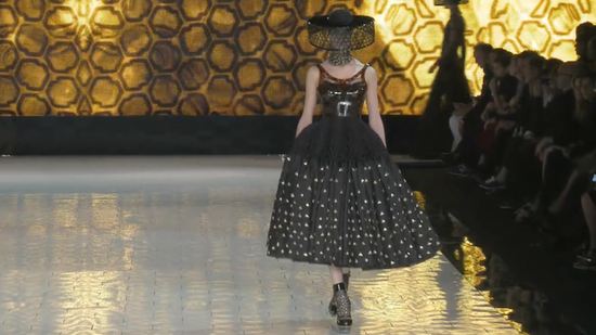 See What the Buzz Is All About: Alexander McQueen Spring 2013 Runway