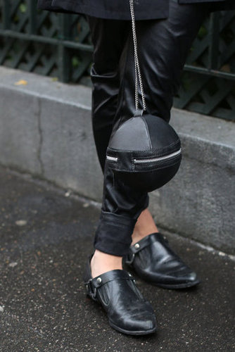 An irreverent little clutch looked especially edgy against leather trousers.