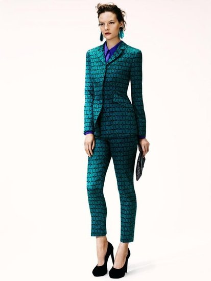 Switch out your classic suiting for tailored jewel tones, like in this richly hued ensemble. Too shy to work the head-to-toe tones? Then break it up — layer a brilliant emerald green jacket over a ruby blouse on top and temper it with skinny jeans on bottom.