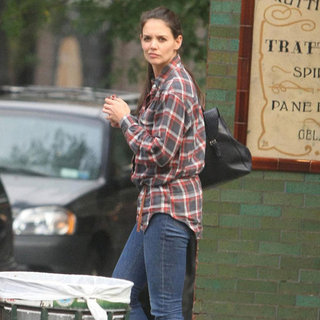 Katie Holmes Walking in NYC | Pictures