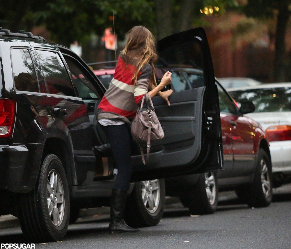 Gisele wore a sweater and black leggings for an outing in Boston.
