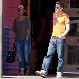 Halle Berry and Olivier Martinez Eat at Pink Taco | Pictures