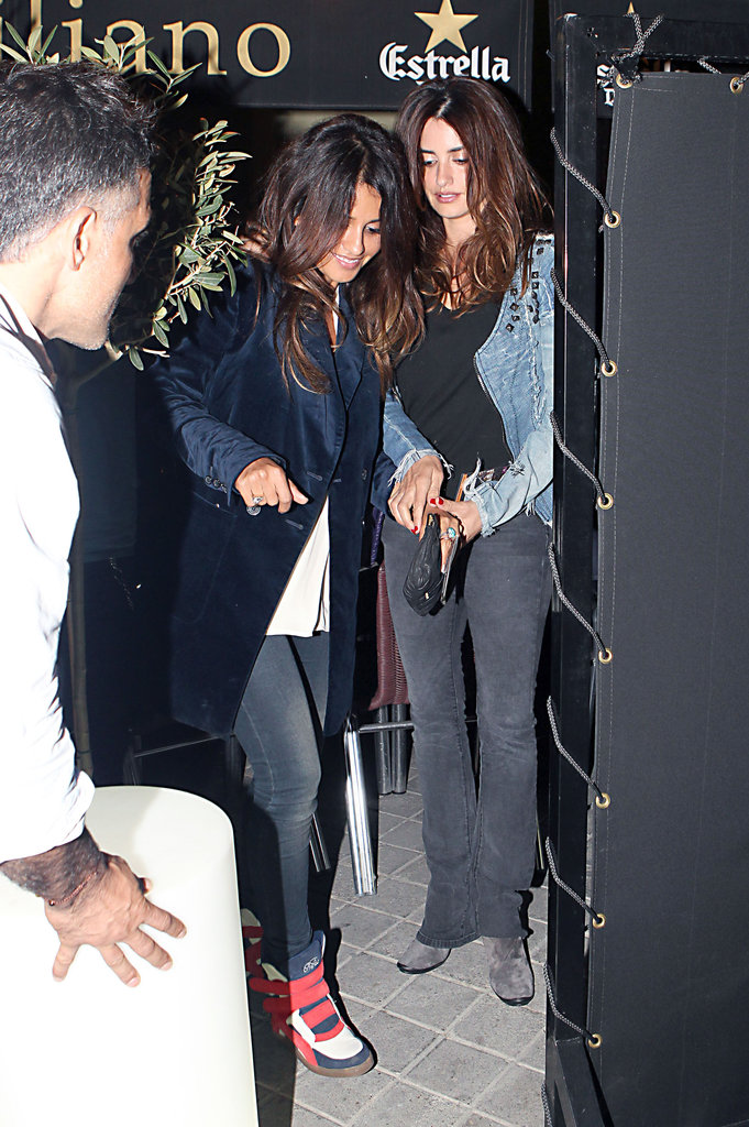 Penélope Cruz had a night out in Madrid with Javier Bardem and their families.