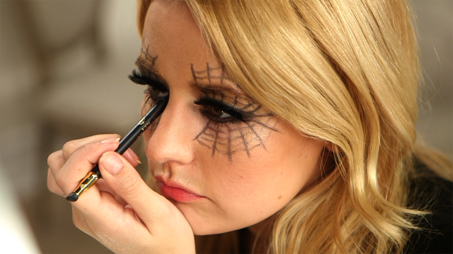 A Seductive, No-Prep Spiderweb Makeup Look For Halloween