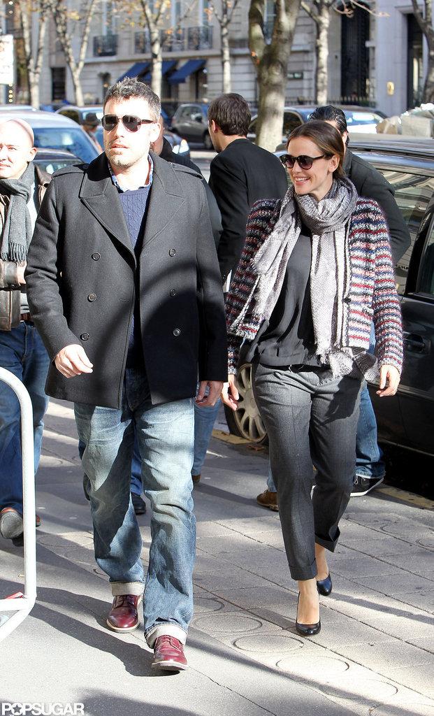 Ben Affleck and Jennifer Garner walked through the streets of Paris.
