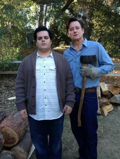 1600 Penn's Josh Gad bonded with his onscreen dad, Bill Pullman. Source: Twitter user joshgad