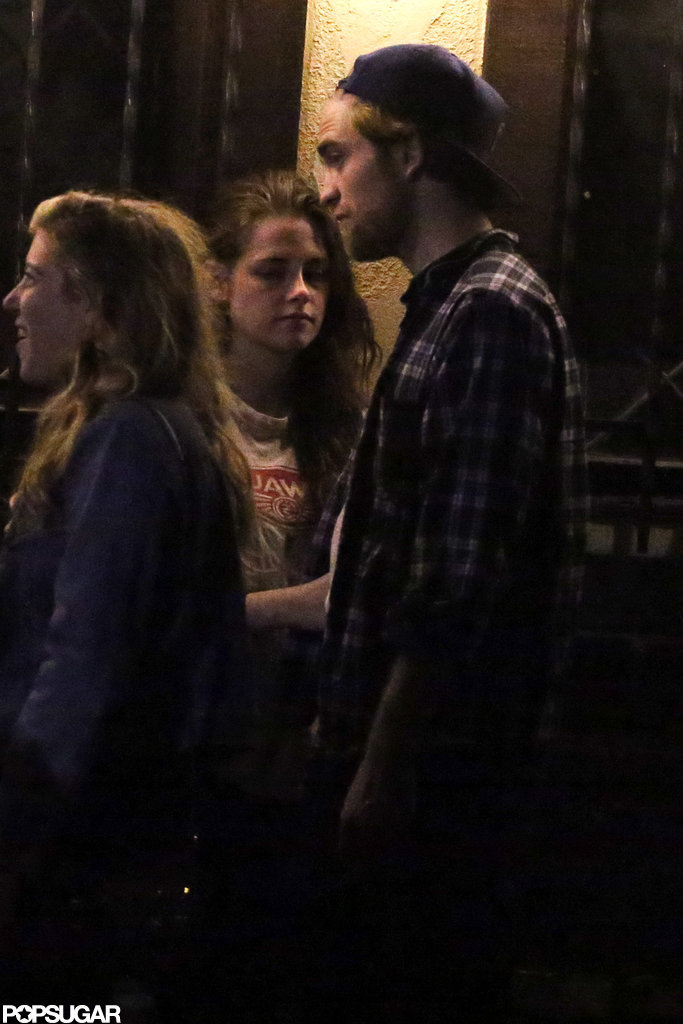Kristen Stewart talked to Robert Pattinson at Ye Olde Rustic Inn bar in LA.