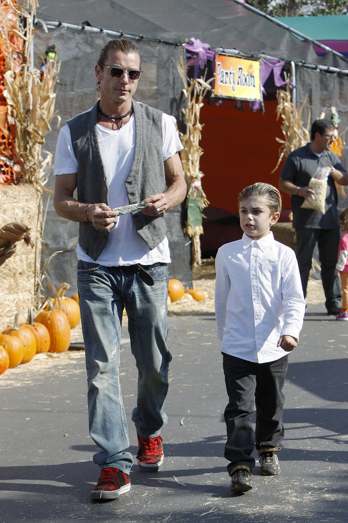 Gavin Rossdale explored the pumpkin patch with his son Kingston Rossdale.