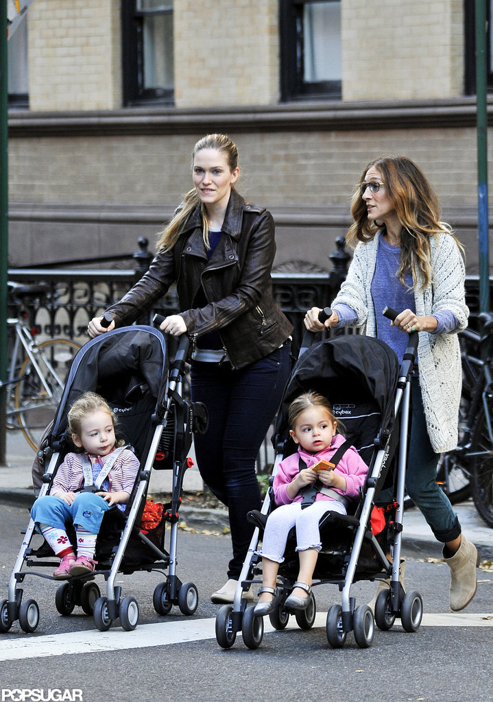 Sarah Jessica Parker and her nanny walked twins Loretta and Tabitha around the city.