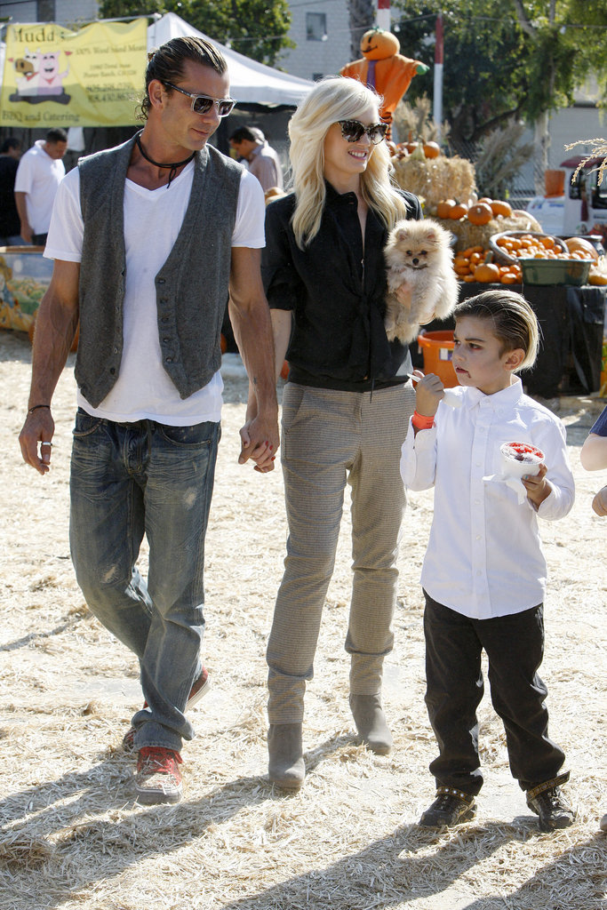 Gavin Rossdale and Gwen Stefani held hands while hanging with Kingston Rossdale at the pumpkin patch.