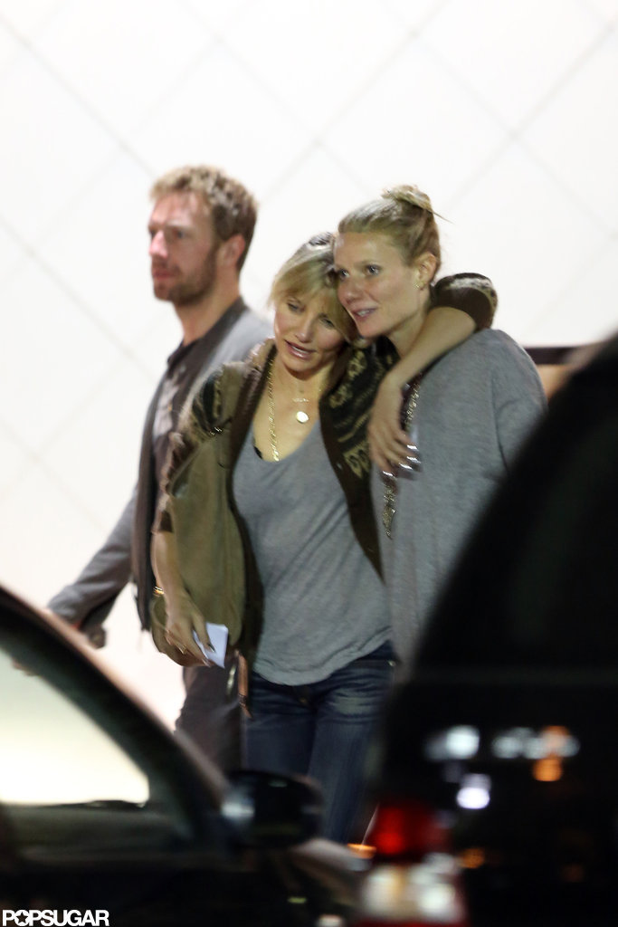 Cameron Diaz put her arm around Gwyneth Paltrow after dinner.