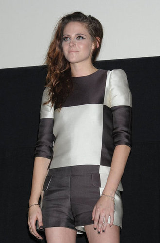 As part of the promotion of Breaking Dawn Part 2, Kristen Stewart attended an event in Japan.