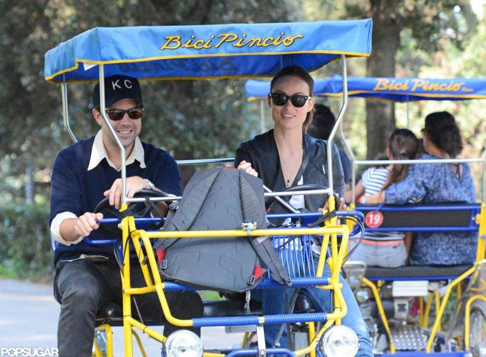 Olivia Wilde and Jason Sudeikis hopped on a rickshaw bike.