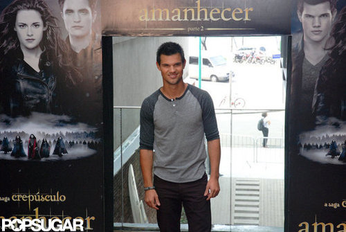 Taylor Lautner made his first press stop in Brazil.