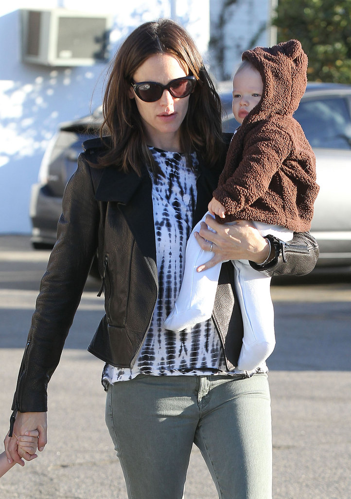 Jennifer Bundles Up Baby Samuel For Breakfast With Seraphina