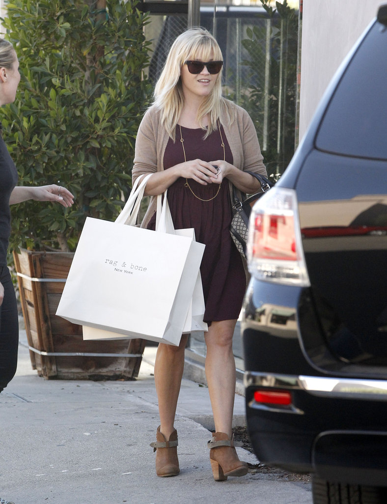 Reese Witherspoon sported sunglasses.