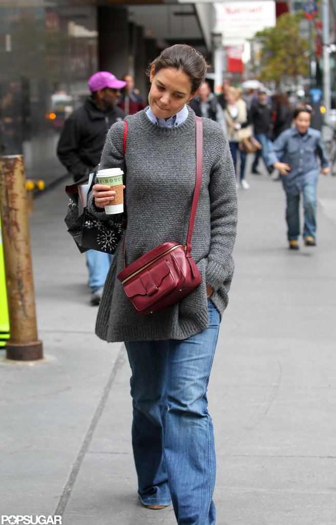 Katie Holmes strolled in her NYC neighborhood.