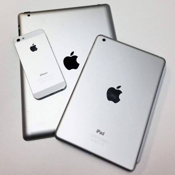 """#iphone #ipadmini #ipad"" — ivanmarkchang Source: Instagram user ivanmarkchang"