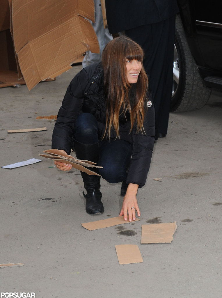 Jessica Biel helped clean up in the Rockaways.