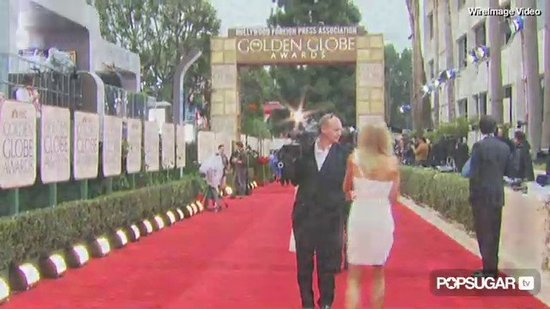 Video: Stars on the Rainy 2010 Golden Globes Red Carpet