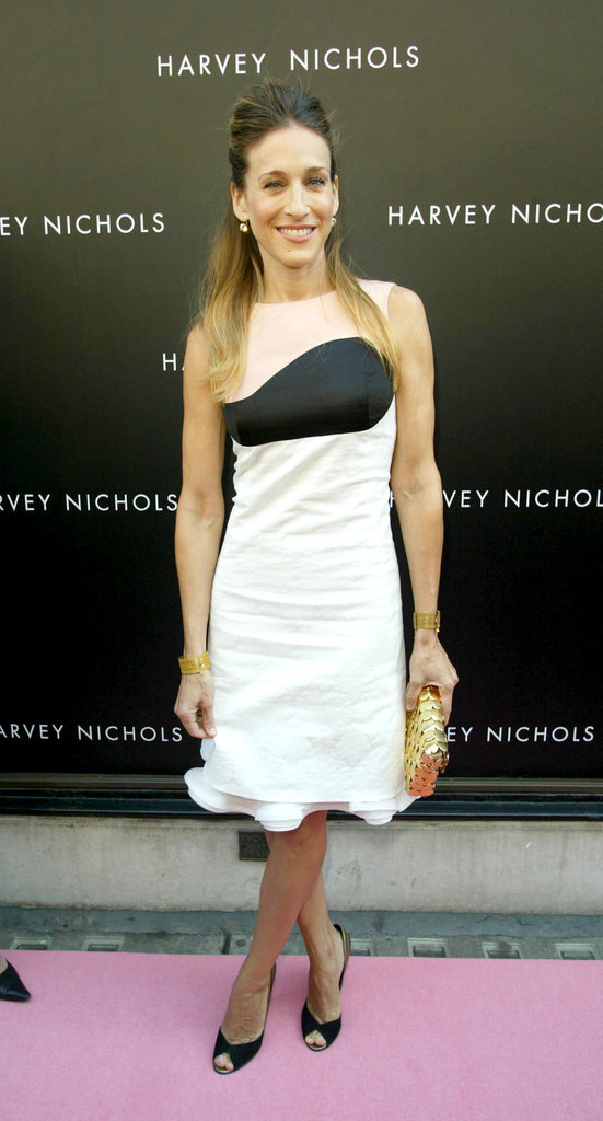 Sarah Jessica Parker went the two-toned route with a modernist edge at the launch of her fragrance in 2005.
