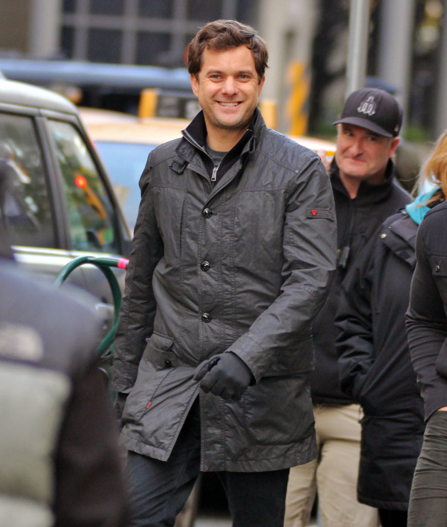 Joshua Jackson strut onto set ready to work.