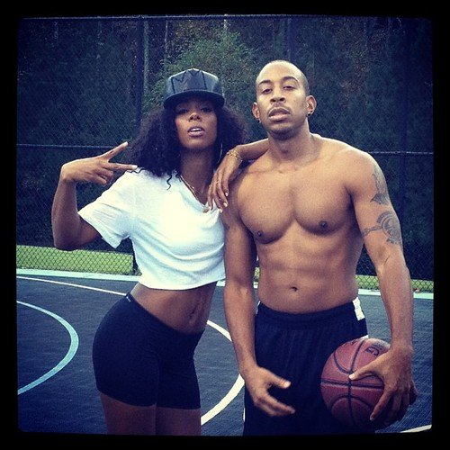 Kelly Rowland played some basketball with a shirtless Ludacris. Source: Twitter user KELLYROWLAND
