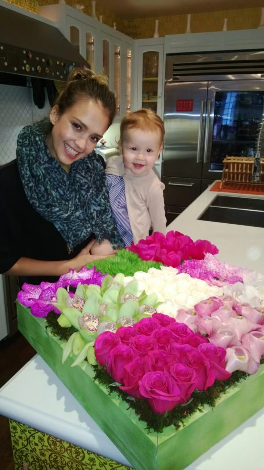 Jessica Alba received a flower delivery from Harry Winston. Source: Facebook user Jessica Alba