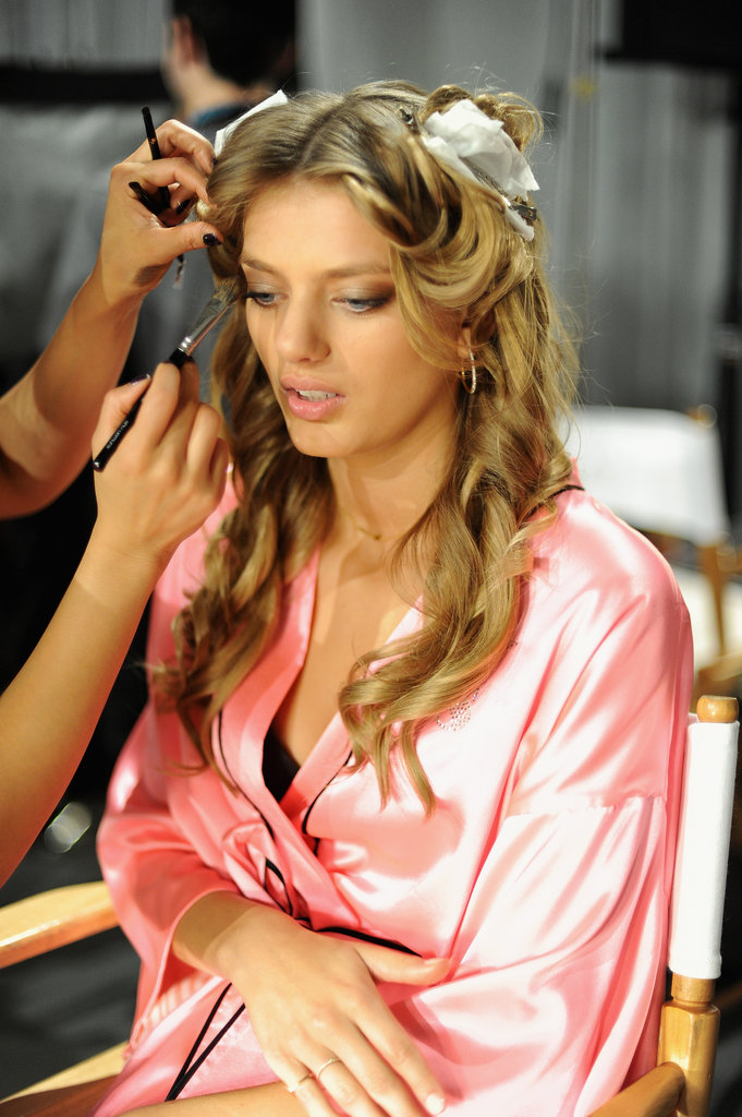Miranda, Alessandra, and Doutzen Get Sexy For Tonight's VS Fashion Show