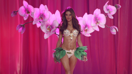 See How Victoria's Secret Angels Get Flawless Preshow
