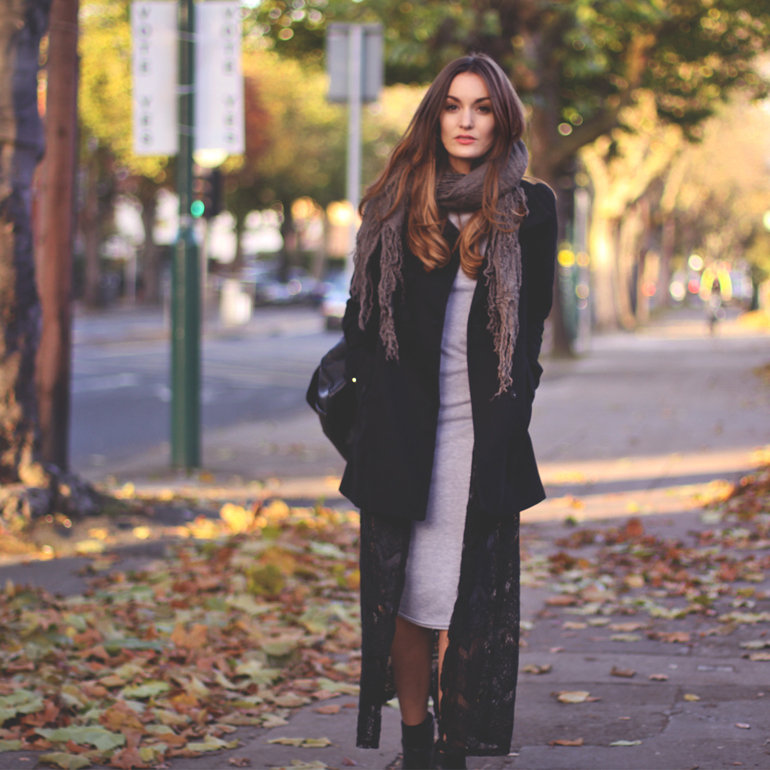 Long layers gave this look a little more seasonal drama. Source: Lookbook.nu
