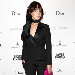 Jennifer Lawrence With a Pink Clutch