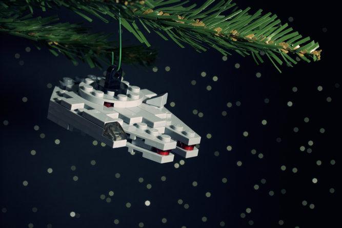 DIY Millenium Falcon Lego Ornament