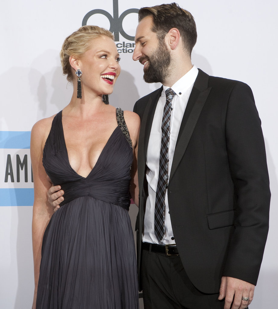 Katherine Heigl and Josh Kelley gave each other a sweet glance on the red carpet in 2011.