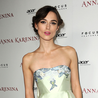 Keira Knightley at Anna Karenina LA Premiere (Video)