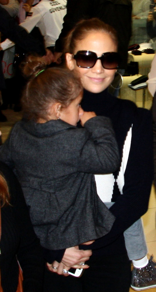 Jennifer Lopez gave her daughter, Emme Anthony, a lift.
