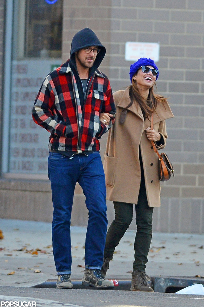 Ryan Gosling and Eva Mendes bundled up to face Winter weather.