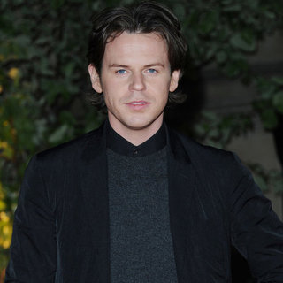 Christopher Kane Leaving Versus