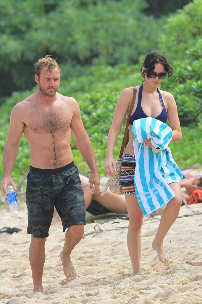 Jennifer Lawrence Breaks Out Another Bikini on Thanksgiving in Hawaii