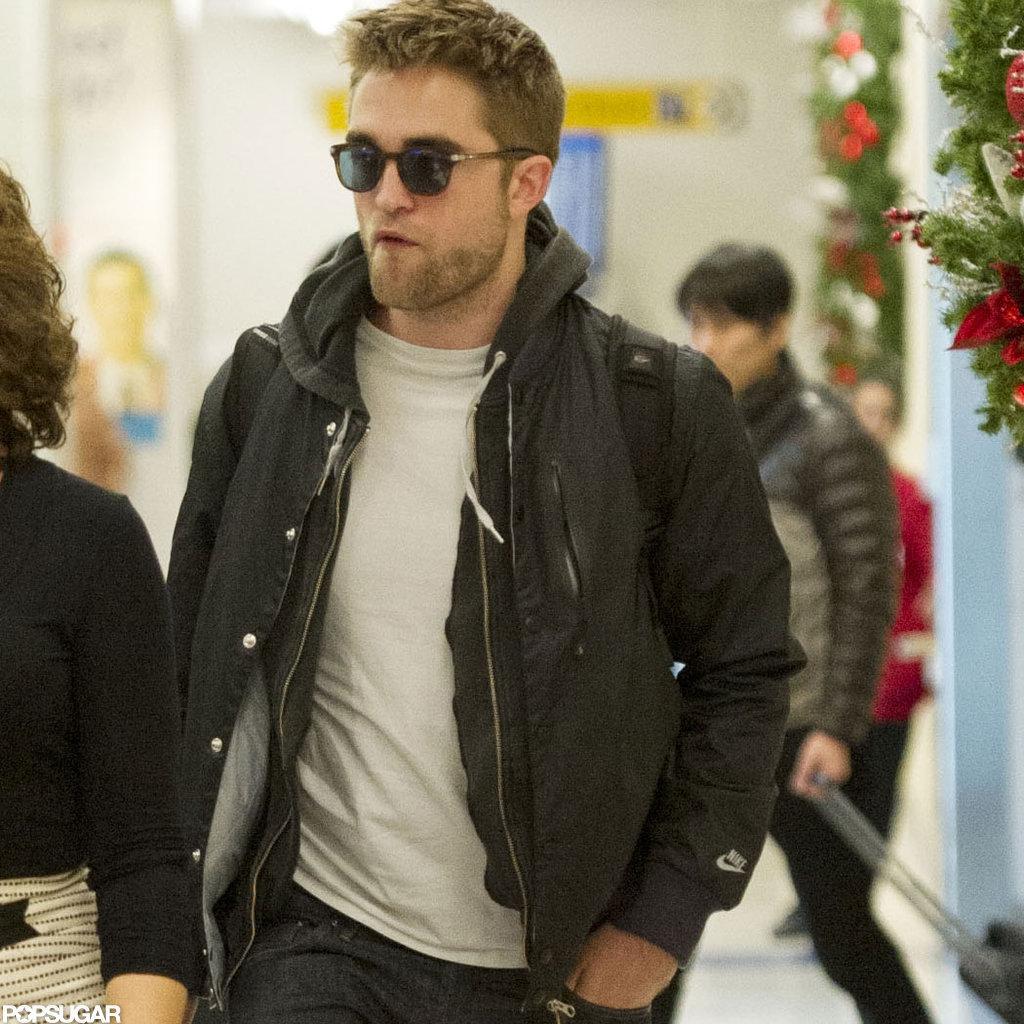 Robert Pattinson walked through the NYC airport.