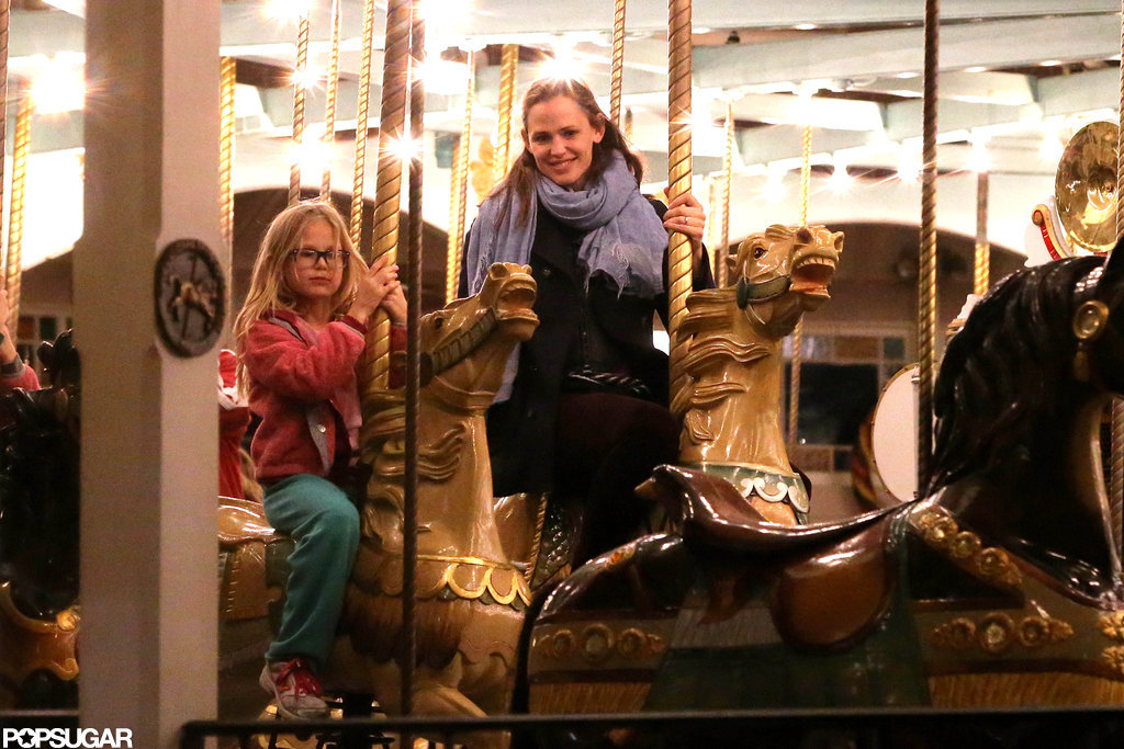Jennifer Garner and Violet Affleck took a ride at the fair.