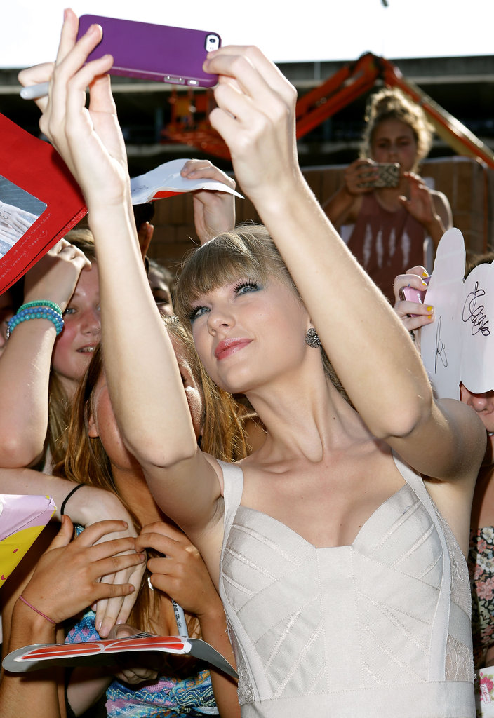 Taylor Swift Goes Straight to Her Fans at the ARIA Awards