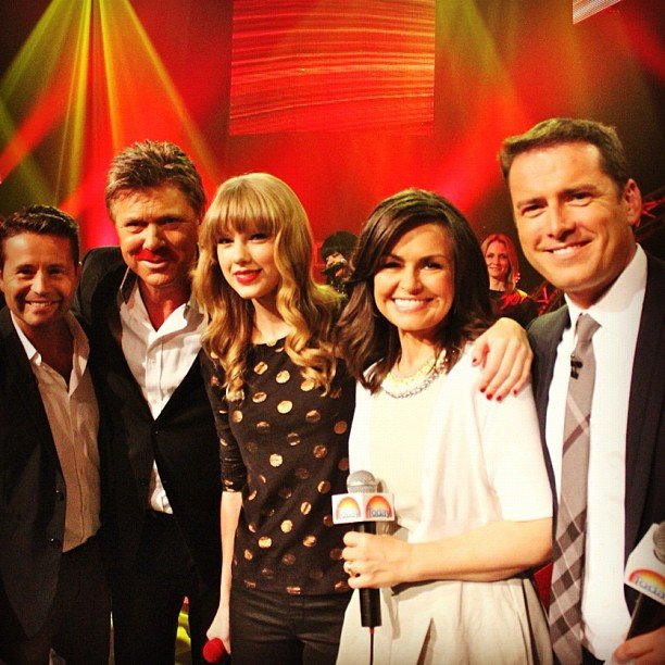 Taylor performed on Today on Monday Nov. 26 and posed with the show's hosts. Source: Instagram user taylorswift