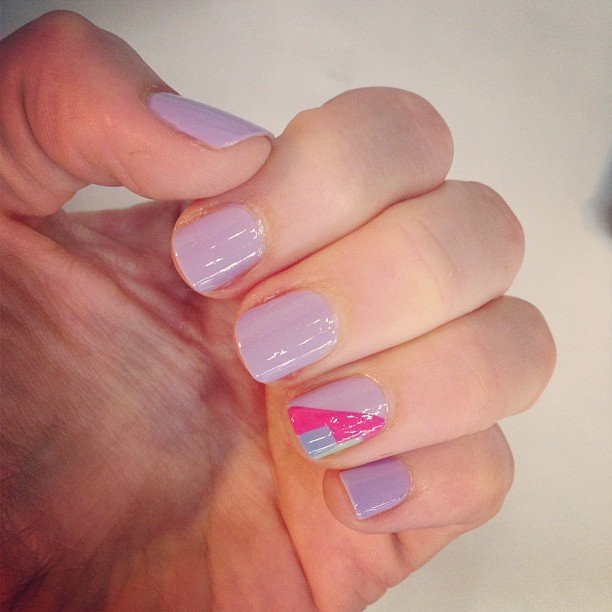 Also getting treated to a special mani? Ali, who opted for a more subdued look — that geometric print is so cute.