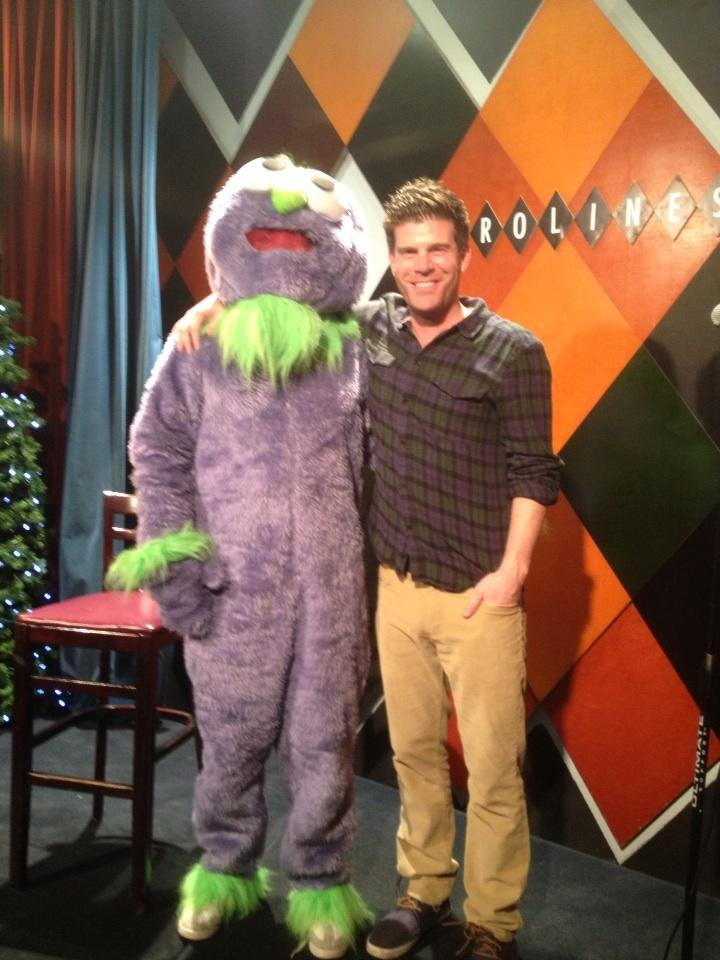 The League's Steve Rannazzisi ran into his show's unofficial mascot at Caroline's. Source: Twitter user SteveRannazzisi