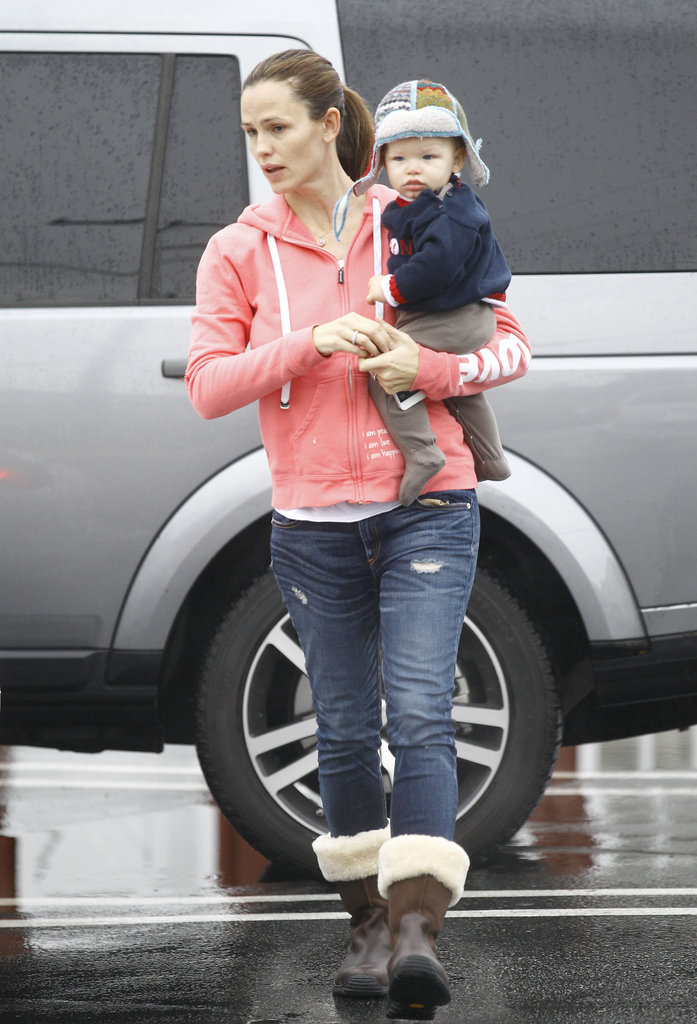 Jennifer Garner gave Samuel a lift.