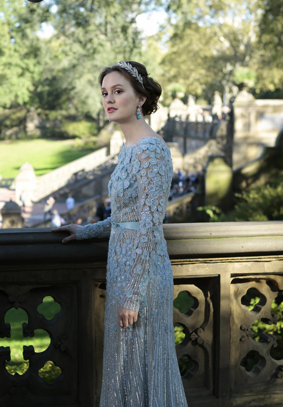 Blair's blue dress comes courtesy of Elie Saab.