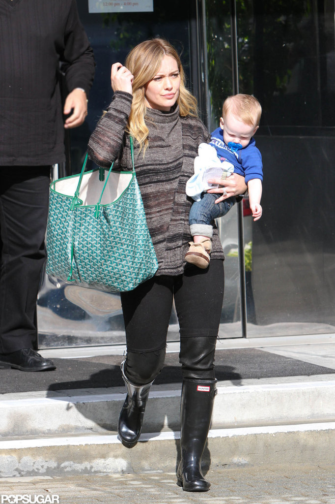 Hilary Duff carried Luca out of an LA store.