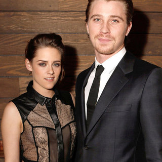 Kristen Stewart and Garrett Hedlund Screen On The Road